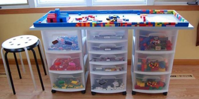 awesome-diy-lego-table