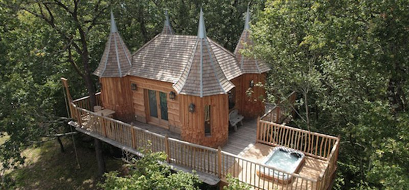 monbazillac-castle-treehouse-glamping