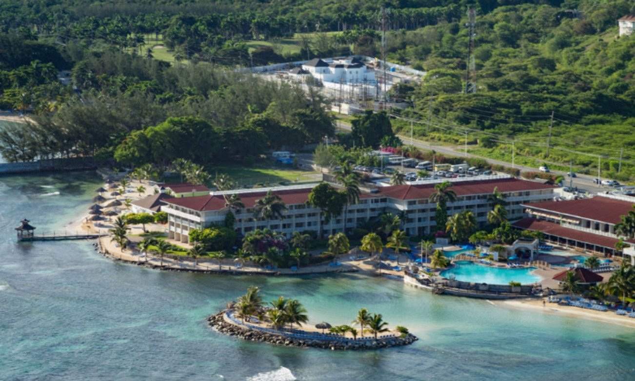 holiday-inn-sunspree-resort