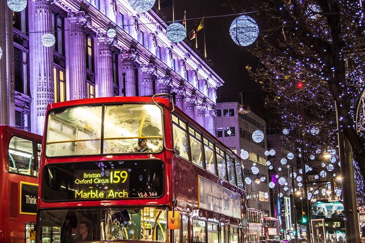 london-guide-to-christmas-lights-oxford-circus