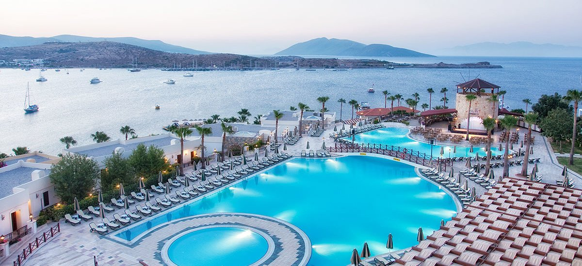 bodrum single parents Children living in stepfamilies or with single parents are at higher risk of physical or sexual assault than accused arrive for bodrum drowned.