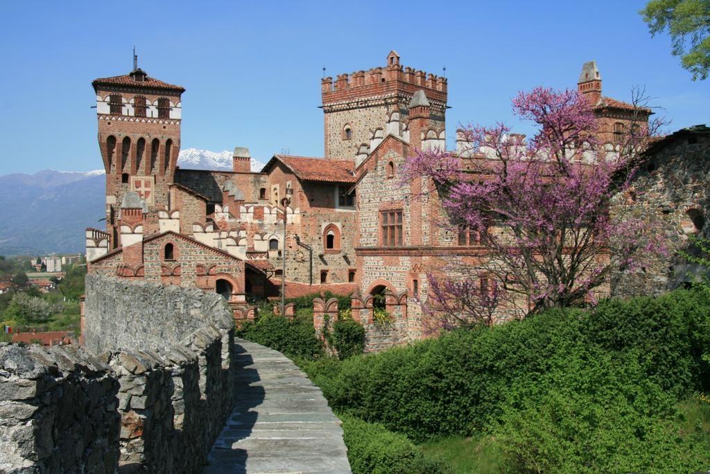Castello-Di-Pavone