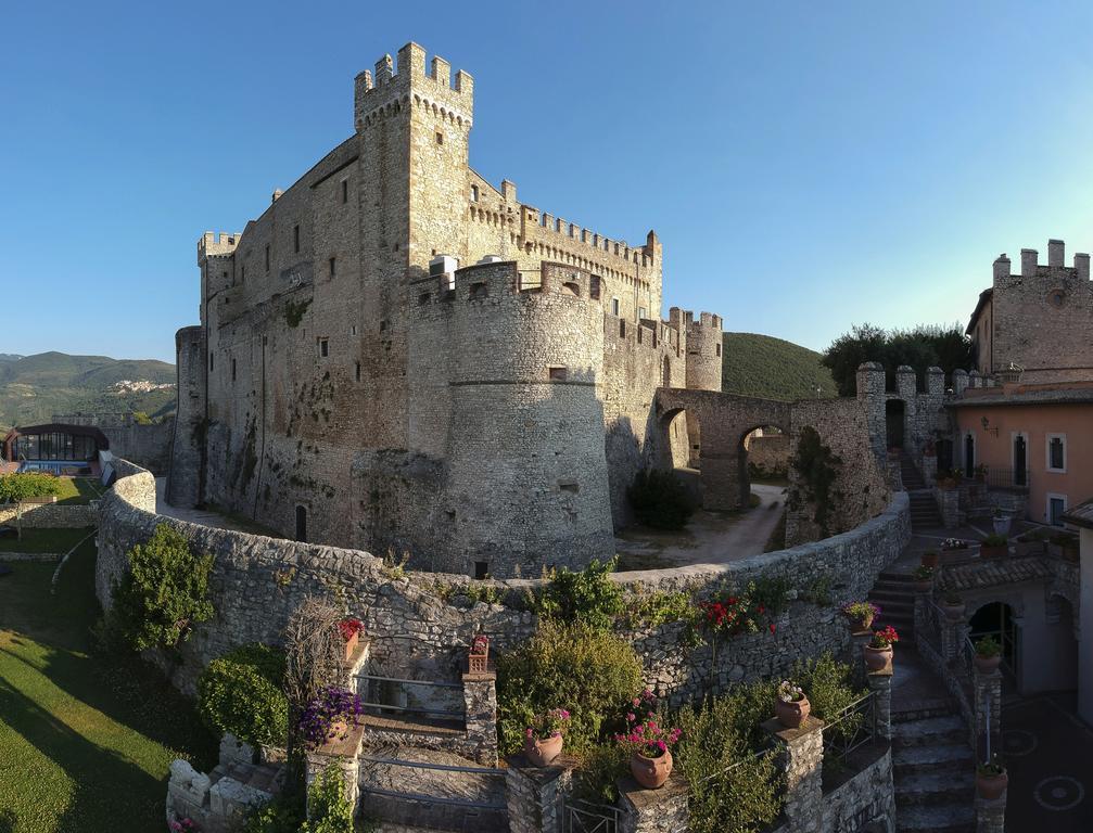 Castello-Orsini-Hotel