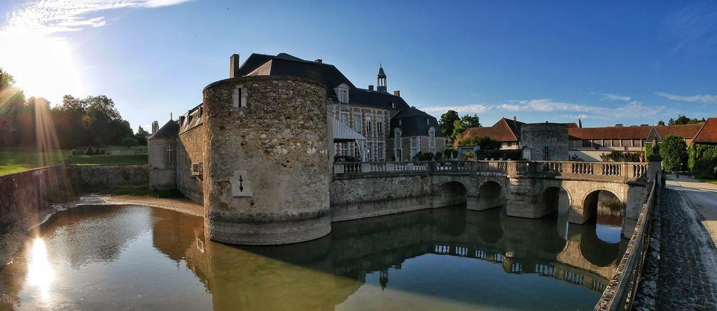 Le-Chateau-d'Etoges