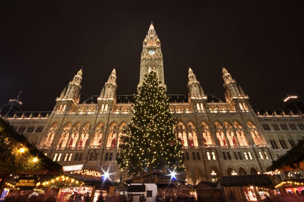 Vienna-Christmas-Market-City-Hall