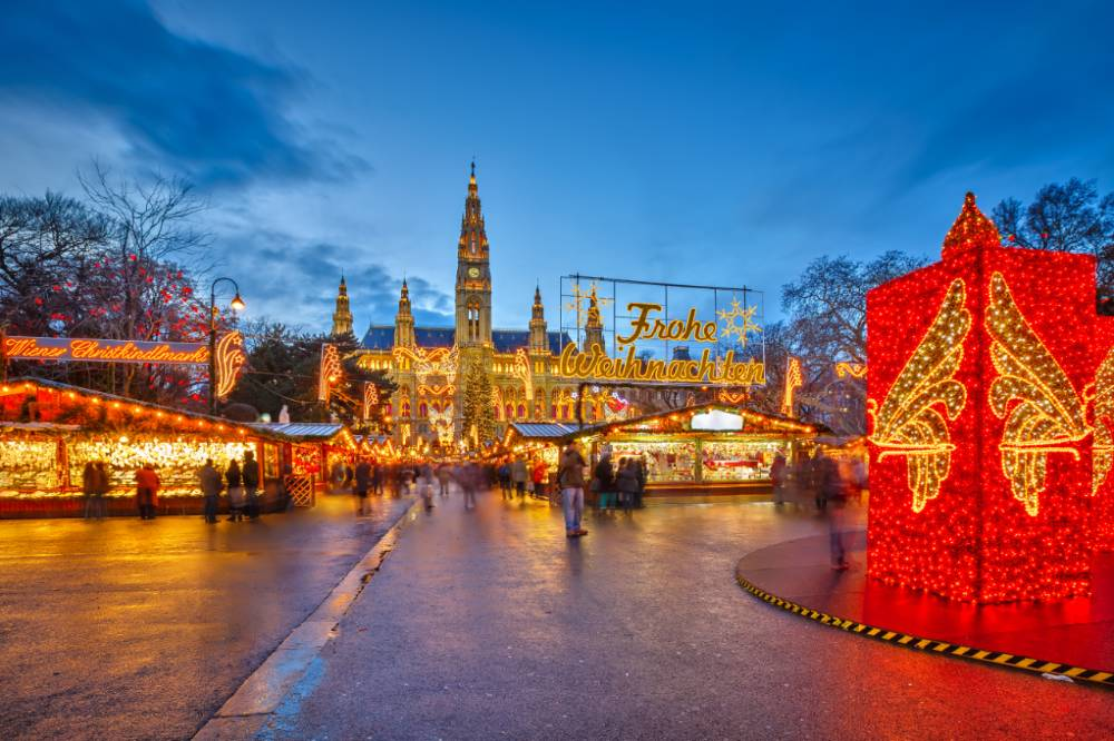 Vienna-Christmas-Market-Evening