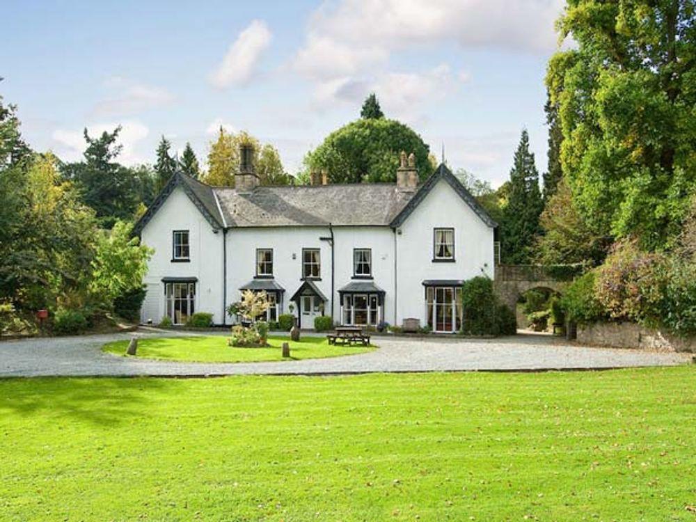 Brookside Manor House