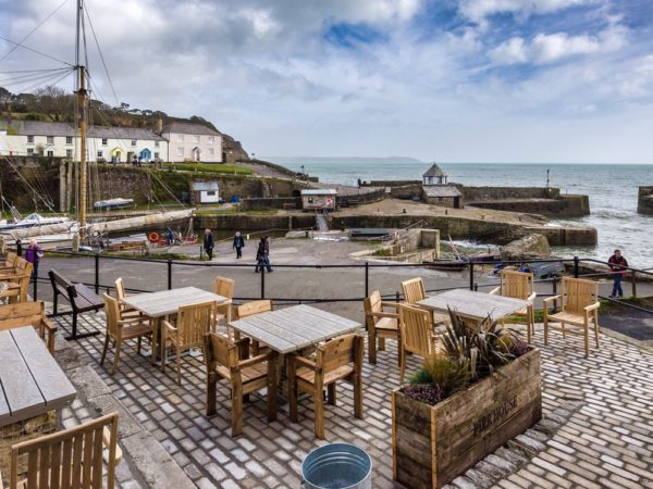 £79 -- Cornwall harbour stay with wine, save 44%