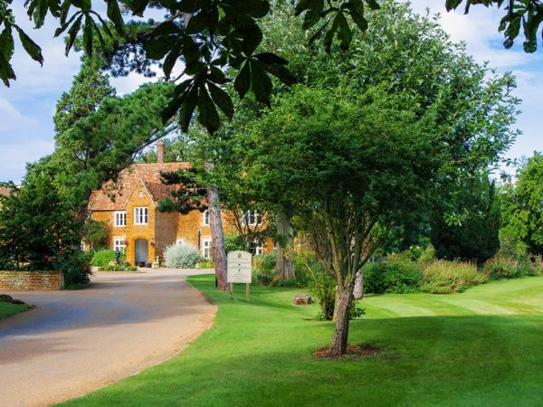 £69 -- Norfolk stay at 16th-century manor nr coast, save 38%