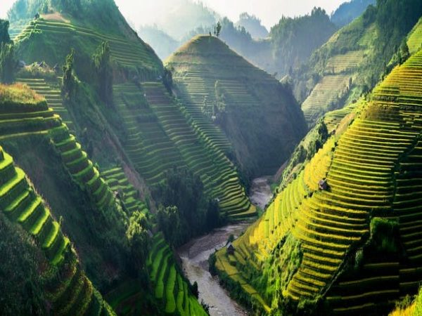 Astounding Vietnam trip to six destinations with junk ship cruise & classic sleeper train, Hanoi, Lan Ha Bay, Sapa, Hue, Da Nang & Ho Chi Minh City - save 26%