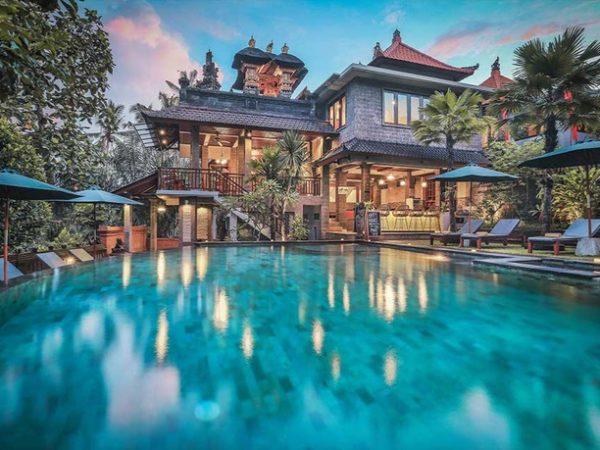 Exotic Bangkok & Bali escape with temples, hot springs & dolphin tours, Bangkok, Ubud, Lovina & Kuta - save 36%