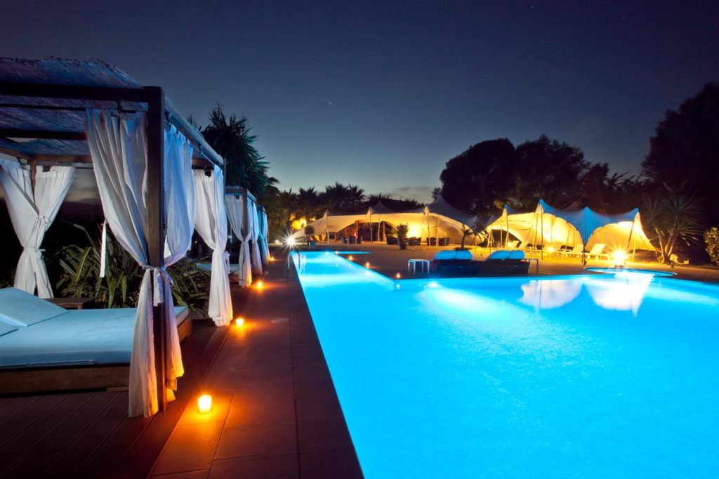 night swimming pool at agroturismo can jaume