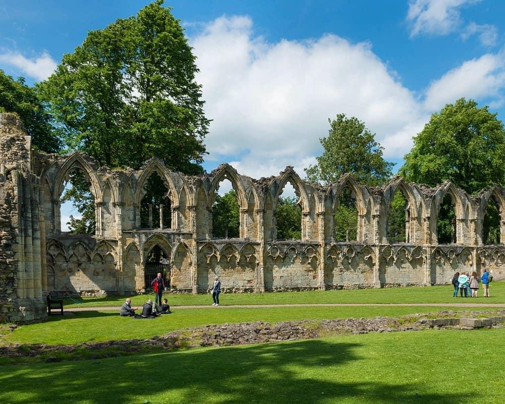 Beautiful ruins at Museum Gardens