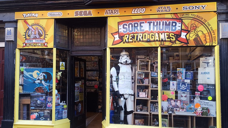 Star Wars and other figures and retro games at Sore Thumb Retro Games