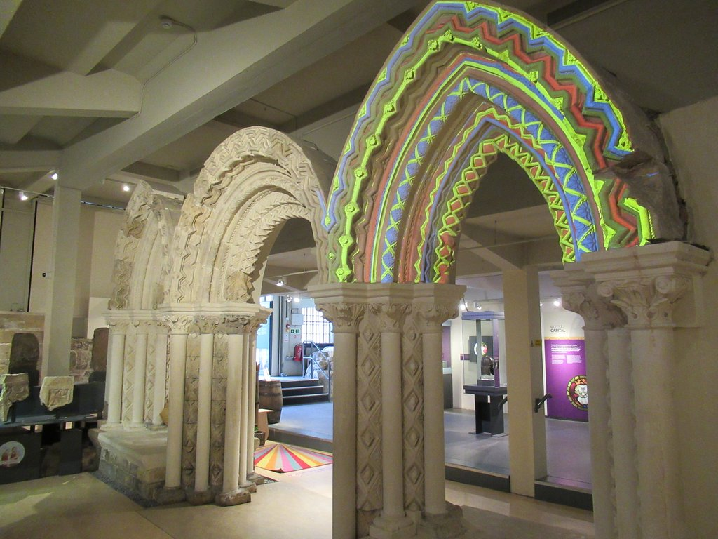 Arcs and architectural design at Yorkshire Museum
