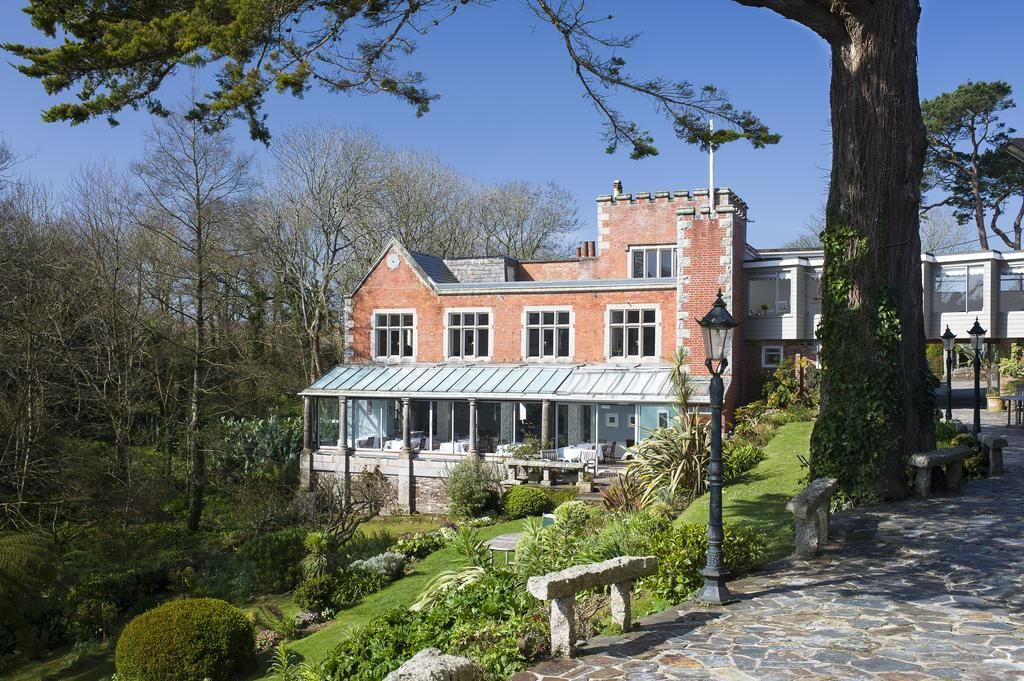 exterior and gardens of the Meudon Hotel Cornwall