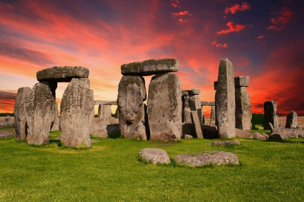 night time scene at famous family attraction, stonehenge in london