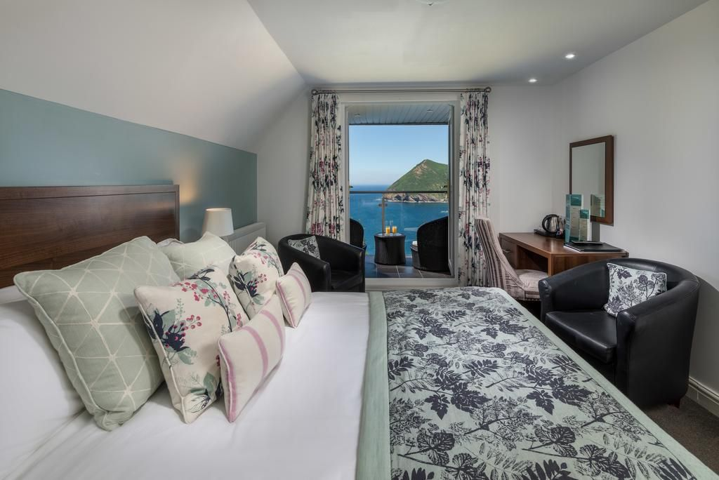 View of room and amazing view of the sea and Devon landscape